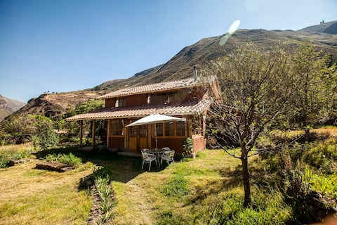 Casa Amanecer, Lamay. Beautiful cottage in nature.