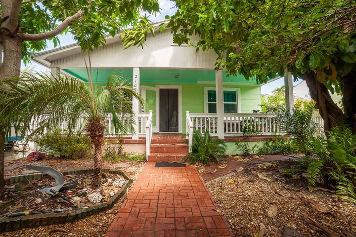 Charming Key West House Pets are Welcome!
