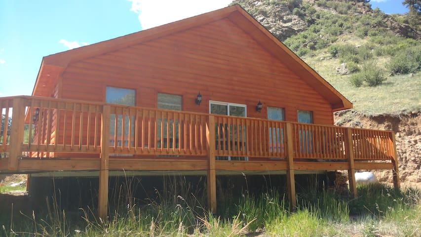 Mountainside cabin