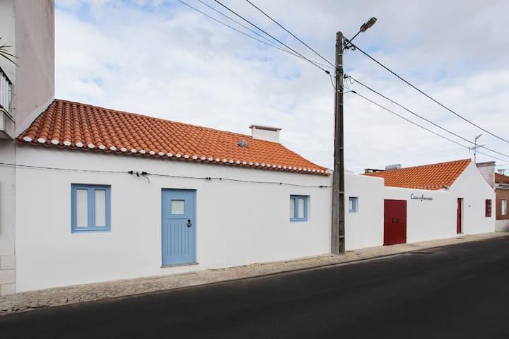 Casas do Falcoeiro - Casa Escaroupim
