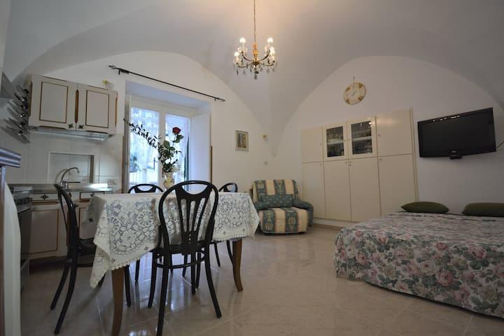 CASA LINDA in Amalfi historical center .