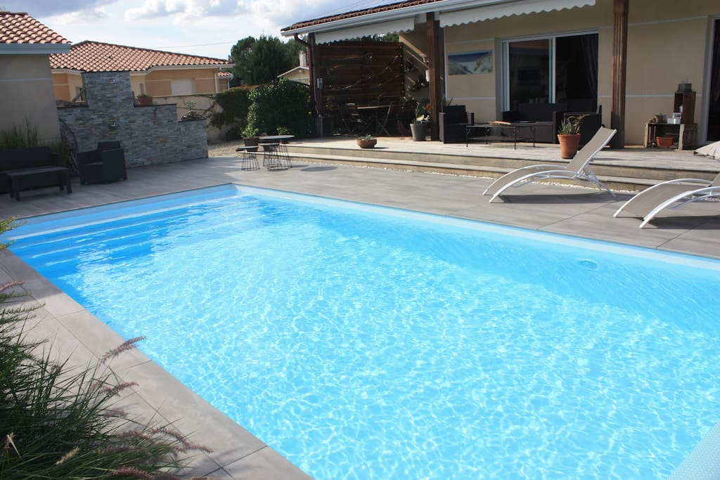 Belle maison contemporaine 175 m2 piscine houses for for Piscine blanquefort