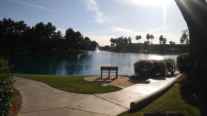Arizona Getaway, Quiet Condo, Pool, Hot tub