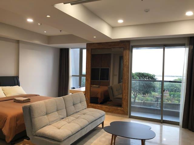 Gold Coast PIK Large Family Luxury Apartment Suite
