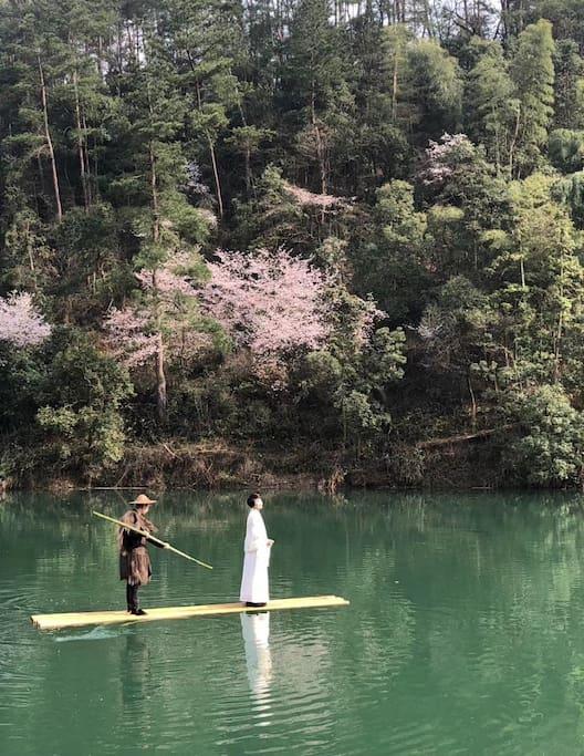 泛舟古翠湖