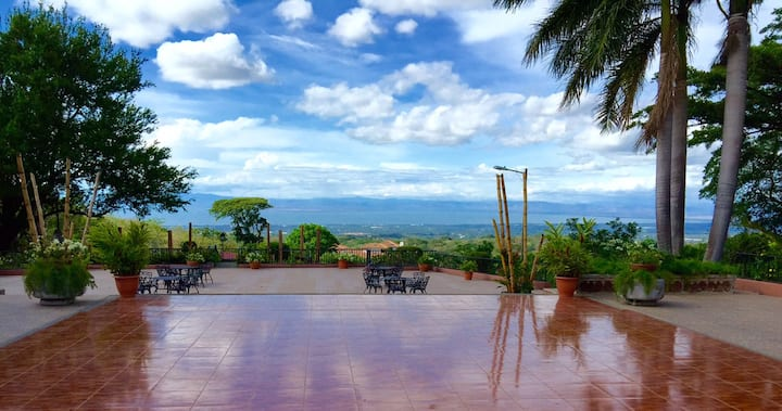 Villa with panoramic view of Managua