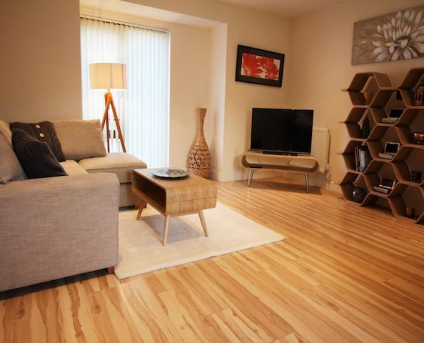 ALPHA APARTMENTS - SUPERIOR ONE BEDROOM APARTMENT - FIRST FLOOR