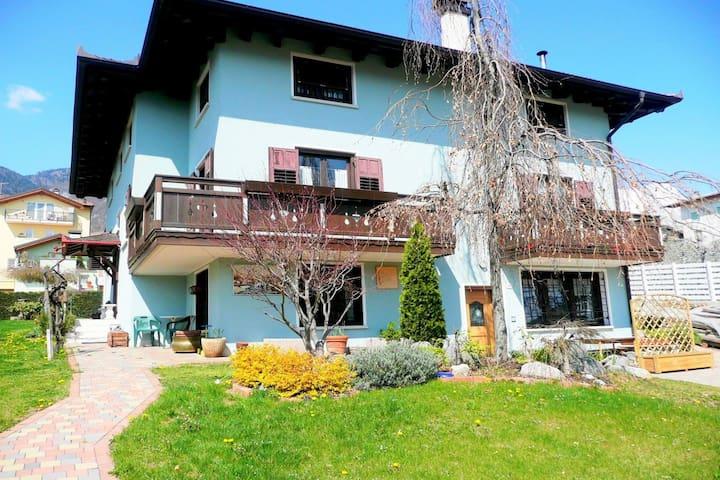 Nette Wohnung in einer kleinen Villa im Nonstal