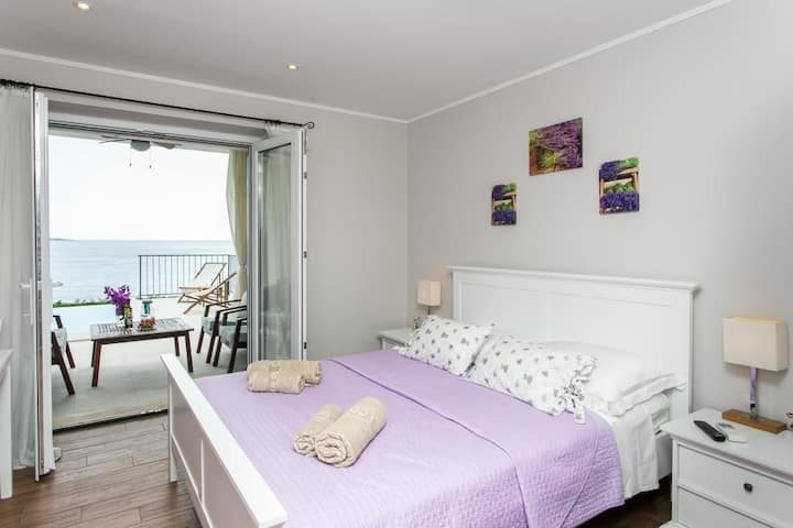 Lavanda - Standard Studio with Sea View