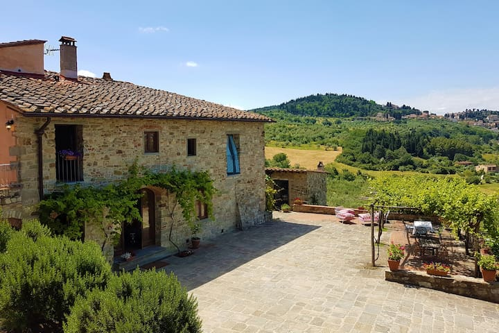 Charming House in the hills of Florence