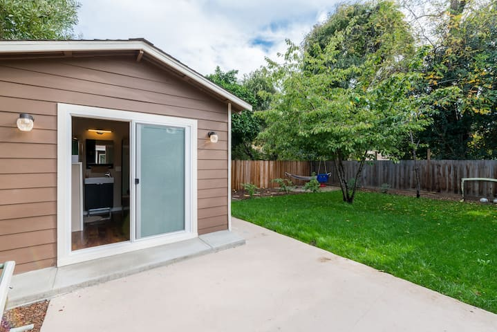 Private Tiny House, Bike to Stanford/FaceB/Goog/VA - Menlo Park - Stuga