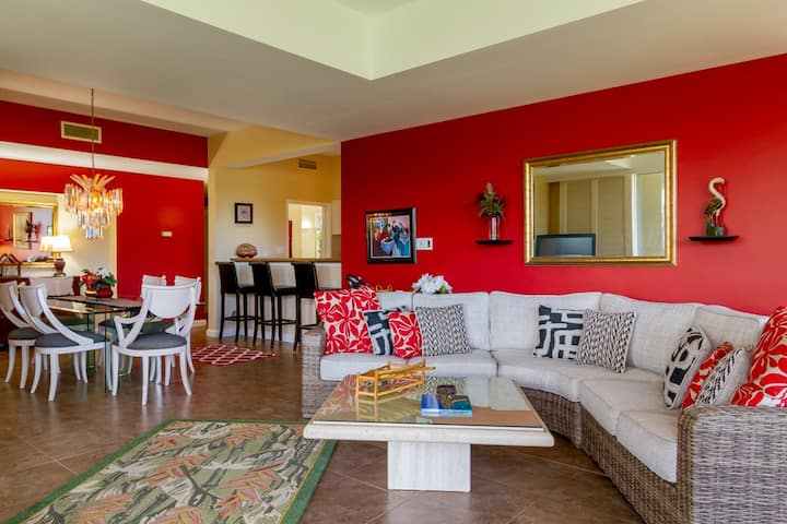 Remodeled Family Condo near Pool