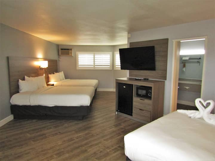 Spacious Room w/ 3 Queen Beds, Private Bath + More