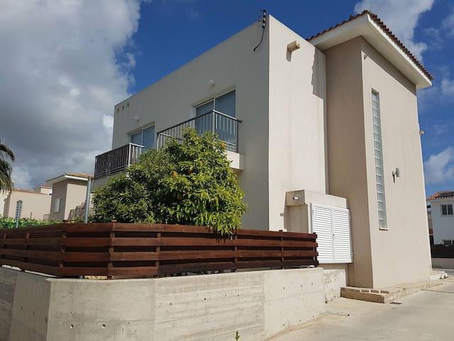 Loucas 2 bedroom two floors townhouse Kato Paphos