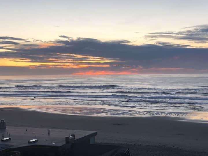 Seashell Condo, Ocean View, Great Location 1br/2ba