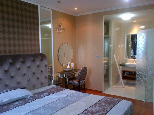 Luxury 1 bedroom ancol mansion city view