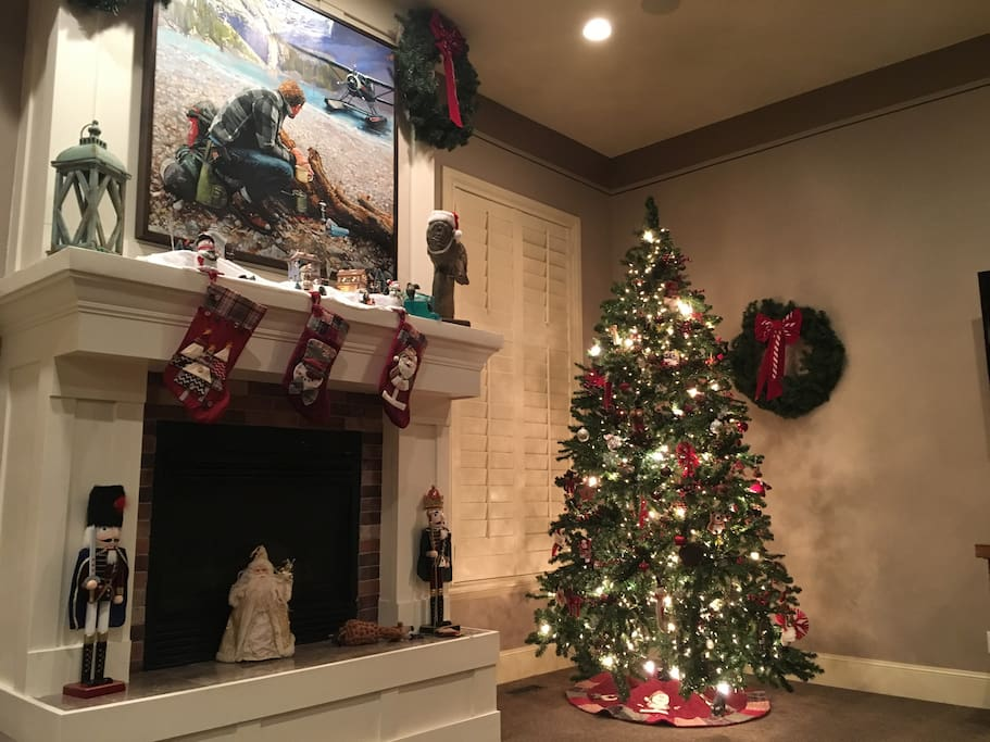 Living room - ready for the holidays