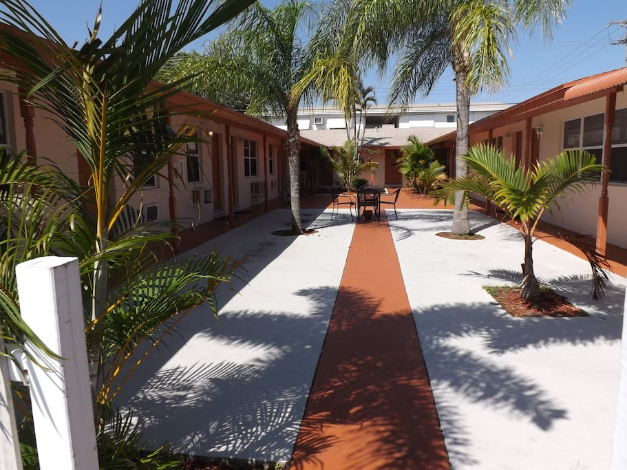 Cozy Getaway In Bohemian Lake Worth Apartments For Rent In Lake Worth Flor