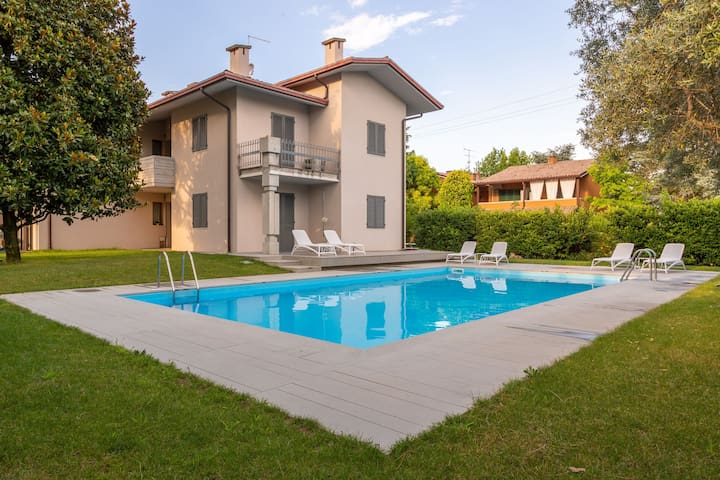 Modern and with pool - Baseventuno 3