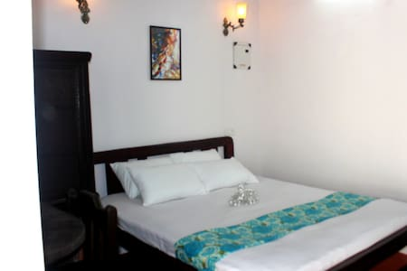 Charming Cottage in Panjim. Goa - Szoba reggelivel