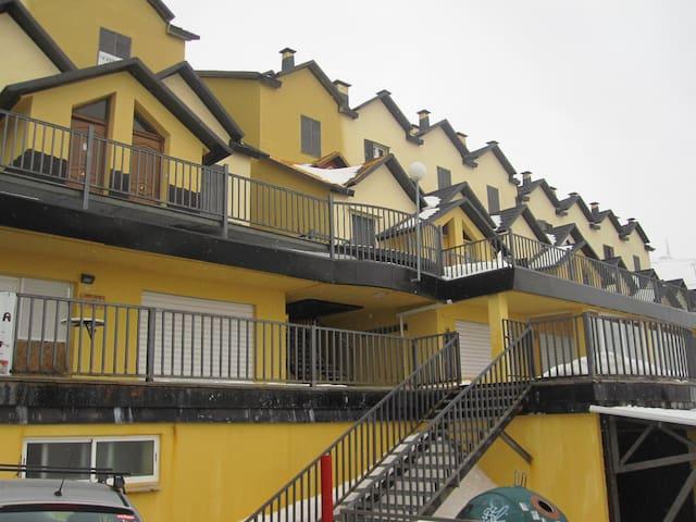 Duplex en Piornos 10 Pax - Monachil - Rumah