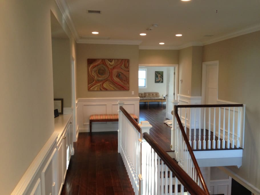Huge open space to upstairs