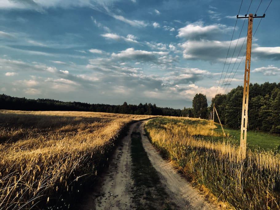 Last mile road