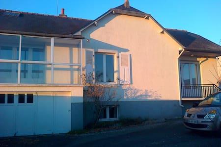 Chambre à Brocéliande - Guer - Rumah