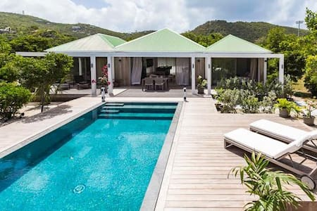 Villa WV SAB - Modern and open, calm sea breezes, across the road from a hotel, walk to the beach and restaurants - Saint-Barthélemy - Villa