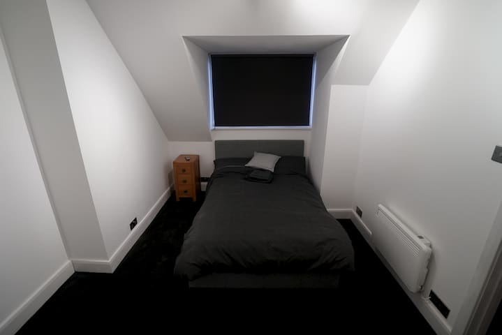 Self contained Studio***1 min to Train Station.