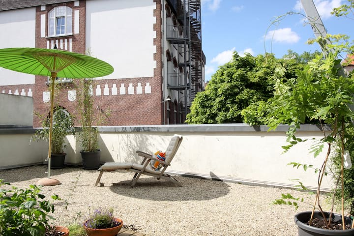 perfect city location with terrace - Aachen - Huoneisto