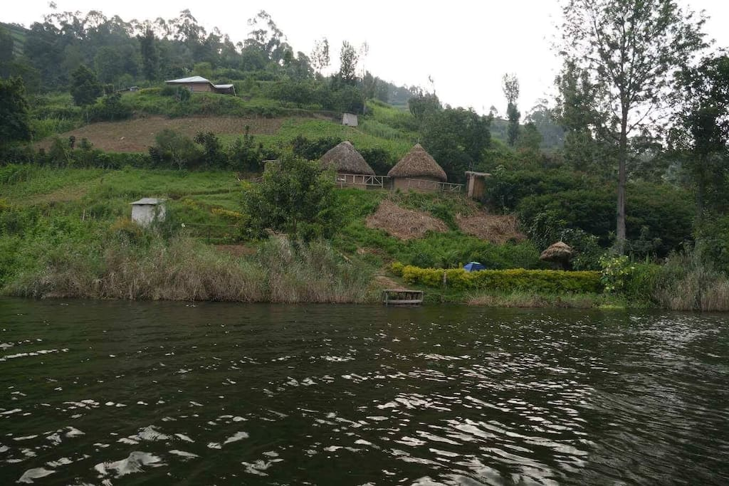 two private cottages , toilet, bathroom camping ground and the lake