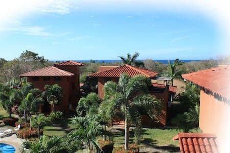 Iguana Villas - Playa Junquillal - วิลล่า