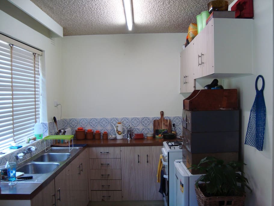 Good size kitchen with gas stove/oven