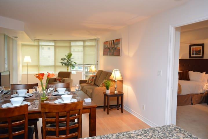 2 Bedroom Den Furnished Apartment Condominiums For Rent In Mississauga Ontario Canada