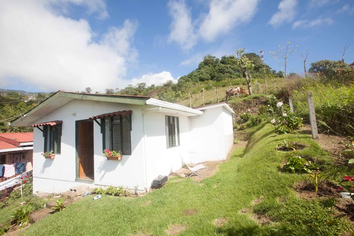 Countryside house in Santa Cruz de Turrialba town