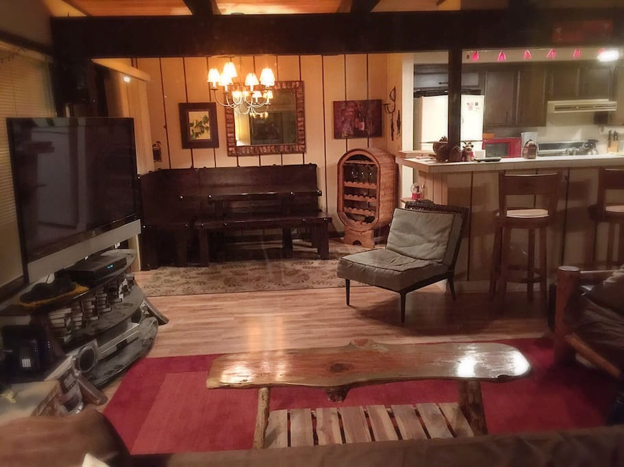 Snow summit ski cabin cottages for rent in big bear lake for Snow summit cabin