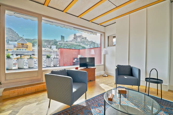 Cozy penthouse in the old town of Sion
