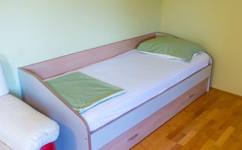 Holiday Home Heaven - Bedroom 2