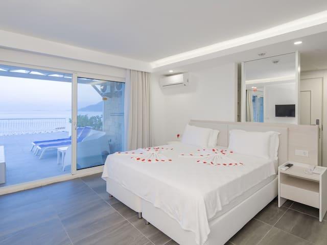 Bed & Breakfast, Superior Room