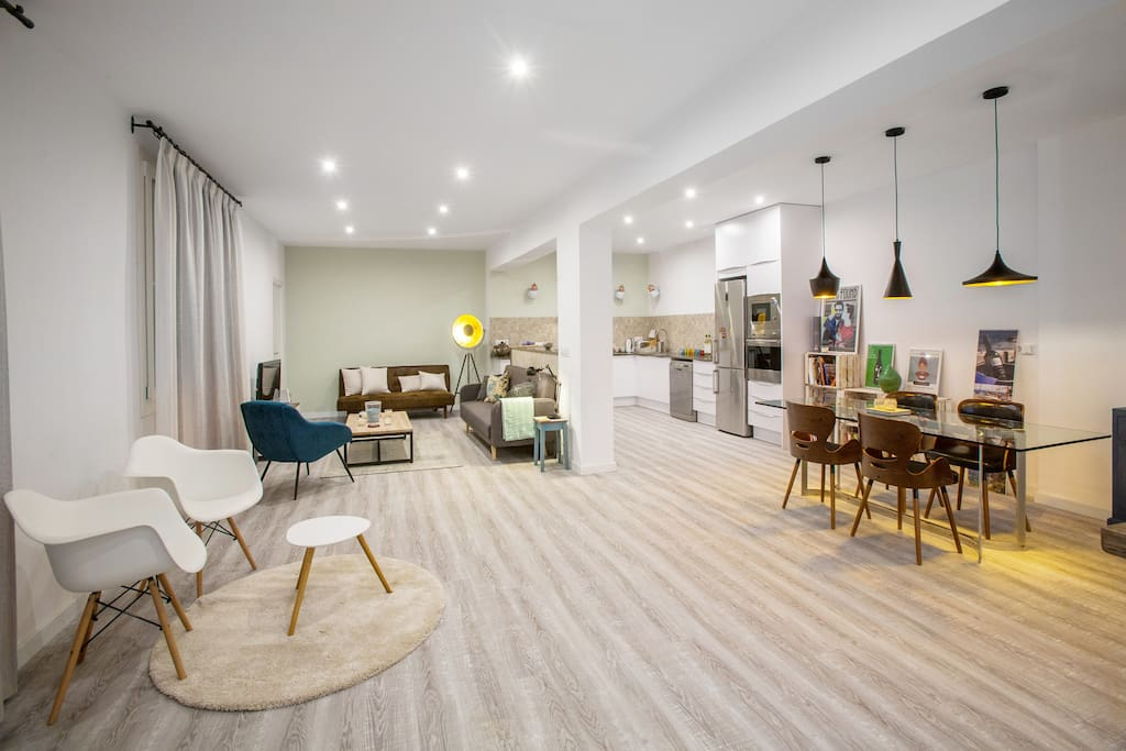 Beautifully renovated 90m2 open-plan space