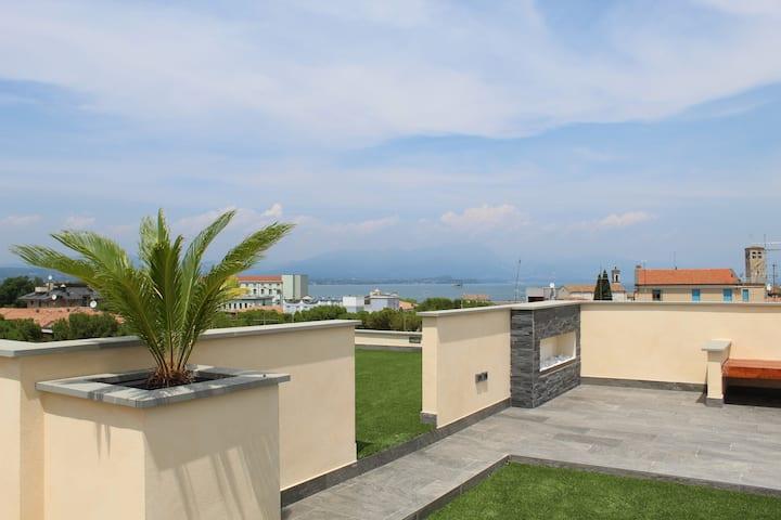 Suite con terrazza vista lago vasca idromassaggio