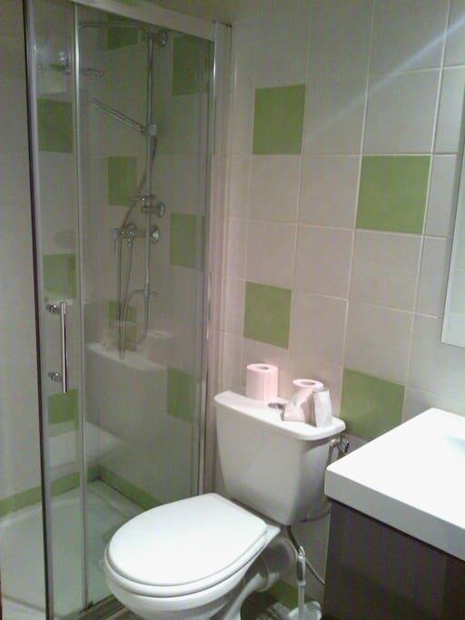 Salle d'eau - Bathroom