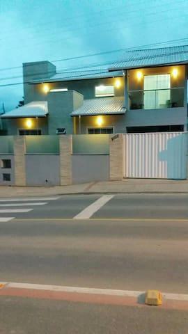Casa Confortável na cidade de Bombinhas SC
