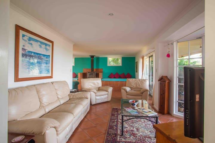 Terracotta Cottage Wallaby Ridge Hideaway Retreat