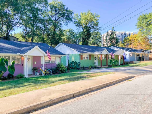 #A Greenville's Green Bungalow - Downtown