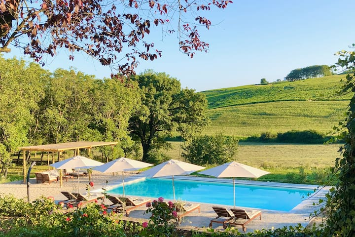 Villa La Mura | Luxury Pool by the Vineyards