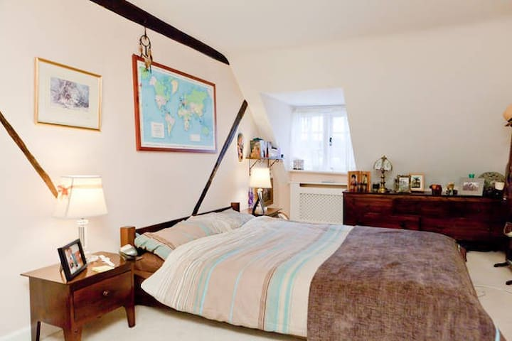 Room (or 2) in Historic Town House  - Westerham - Casa
