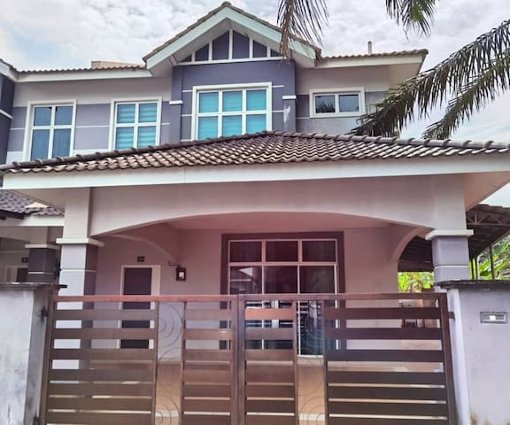 (PROMOTION) HOMESTAY NEWLY RENOVATED 2R2B