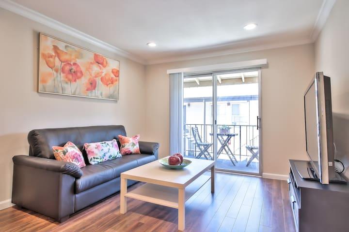 888 New Cupertino/Saratoga/Sunnyvale Luxury Homes
